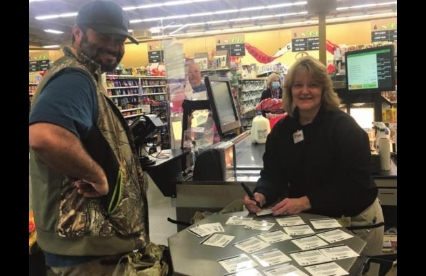 Local pays it forward for Thanksgiving