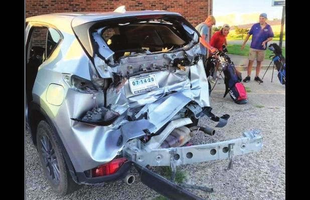Three-car wreck in downtown Oologah